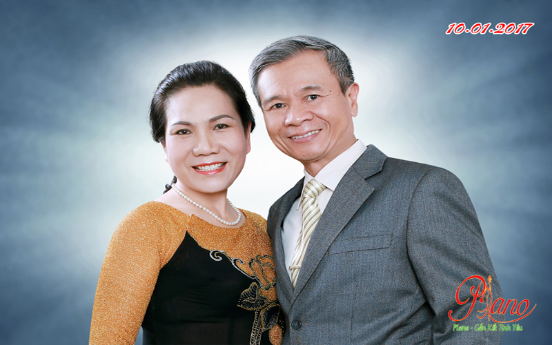 Album ảnh Kỷ Niệm 40 Năm Ngày Cưới Chú Phú Và Cô Kim Anh