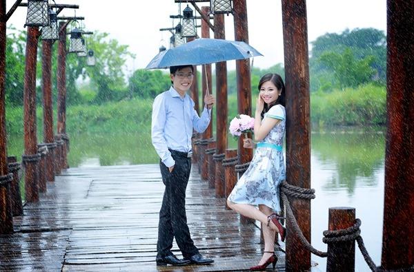 Chụp ảnh cưới dưới mưa