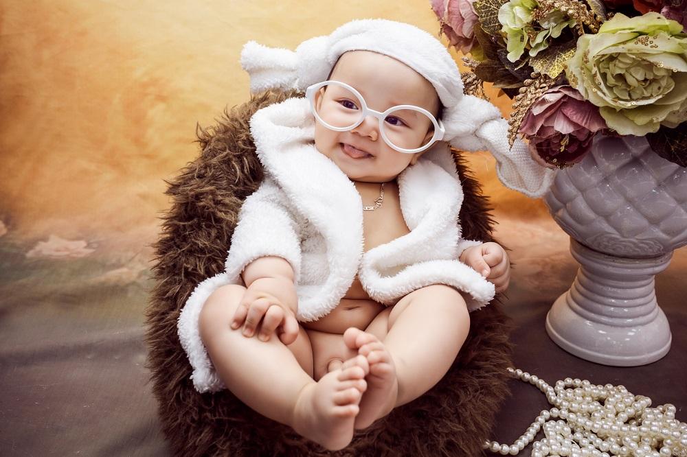 Chụp ảnh cho bé 6 tháng tuổi đẹp lung linh