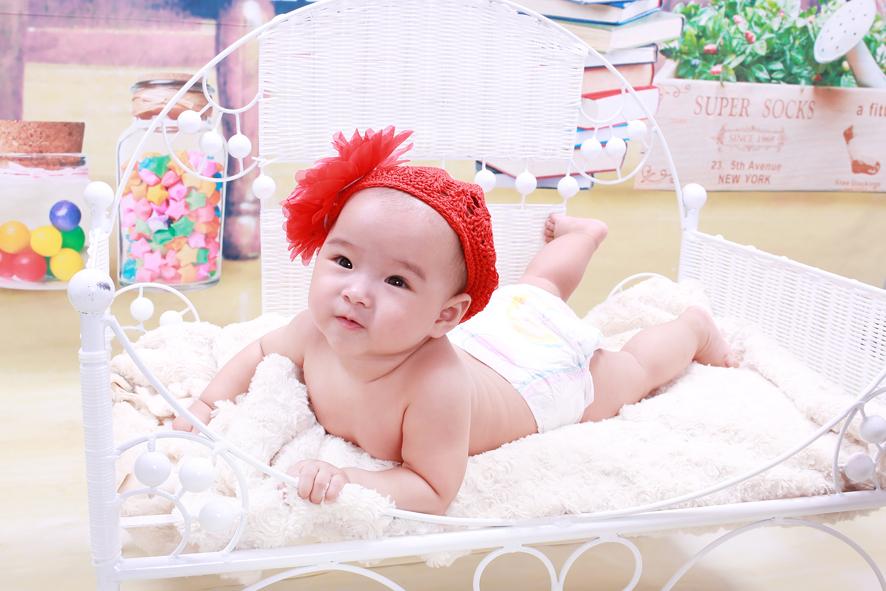 Chụp ảnh cho bé sơ sinh tại Piano