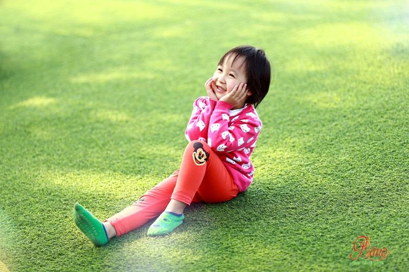 Chụp ảnh cho bé lưu giữ khoảnh khắc tươi cười