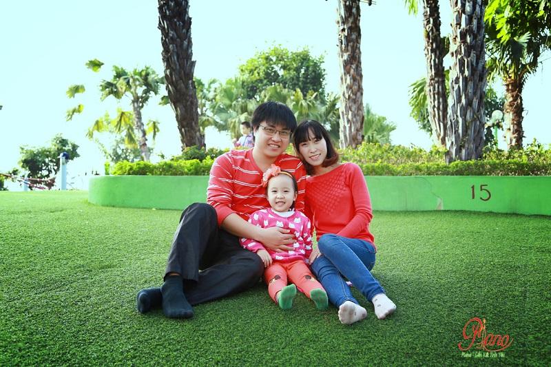 Chụp ảnh gia đình ngoài trời cần lưu ý điều gì