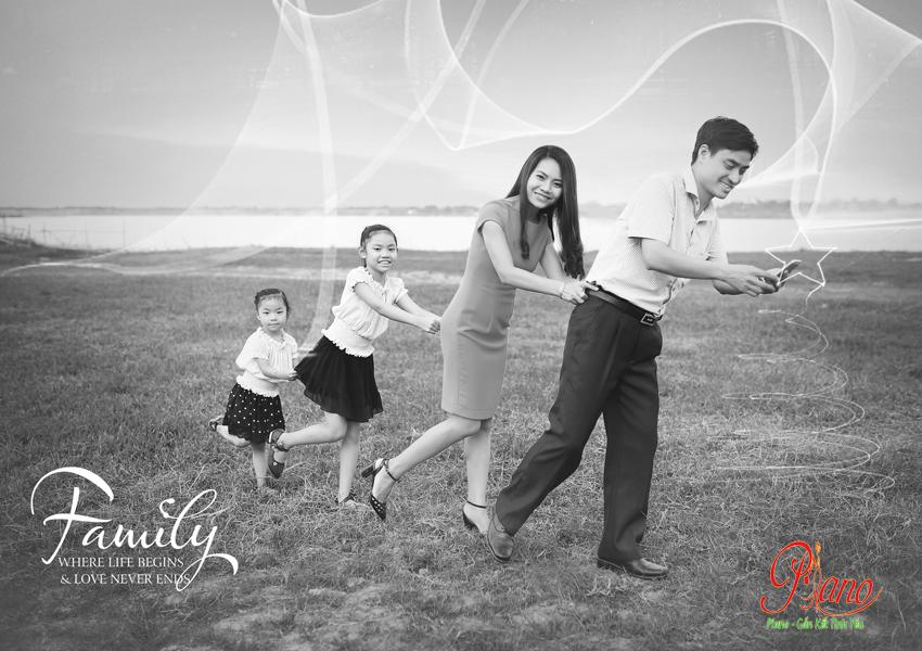 Chụp ảnh gia đình gắn kết yêu thương cùng Piano