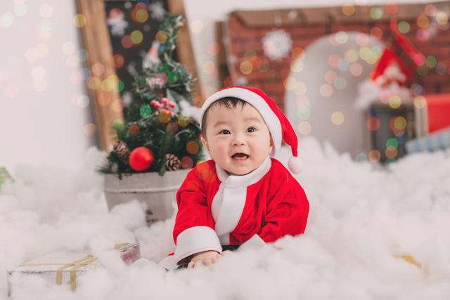 Chụp ảnh cho bé mùa Noel
