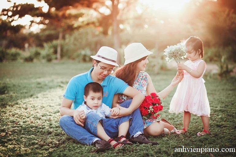 Chụp ảnh Gia đình Ngoài Trời Cần Mang Theo Những Gì?