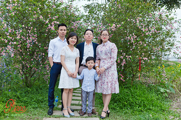"""Chụp ảnh gia đình giá rẻ nhưng chất lượng không """"rẻ"""""""
