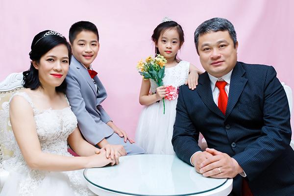 Có nên chụp ảnh gia đình 3 người hay không?