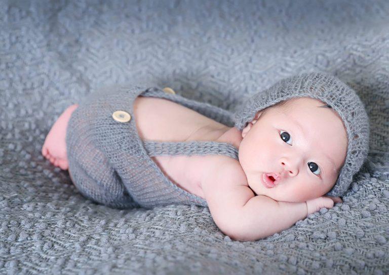 chụp ảnh cho trẻ sơ sinh đáng yêu