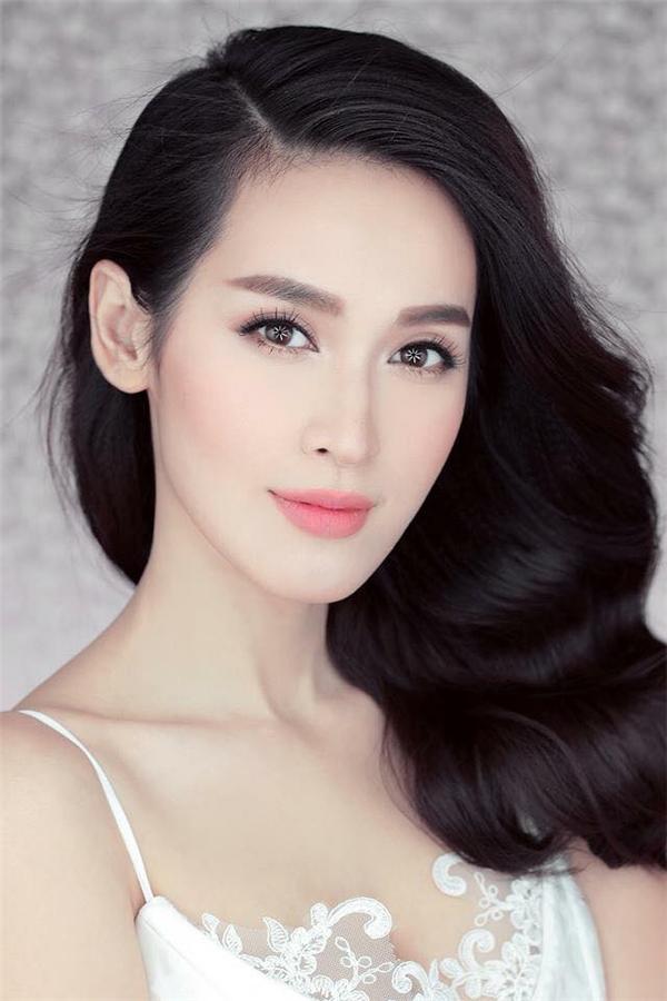 trang điểm cô dâu theo phong cách Hàn Quốc nhẹ nhàng