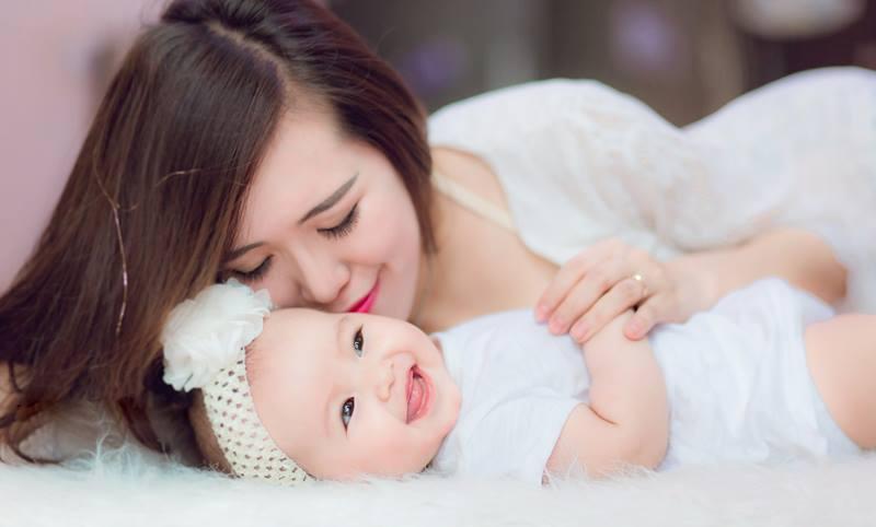Lưu ý cho bố mẹ khi chăm sóc bé